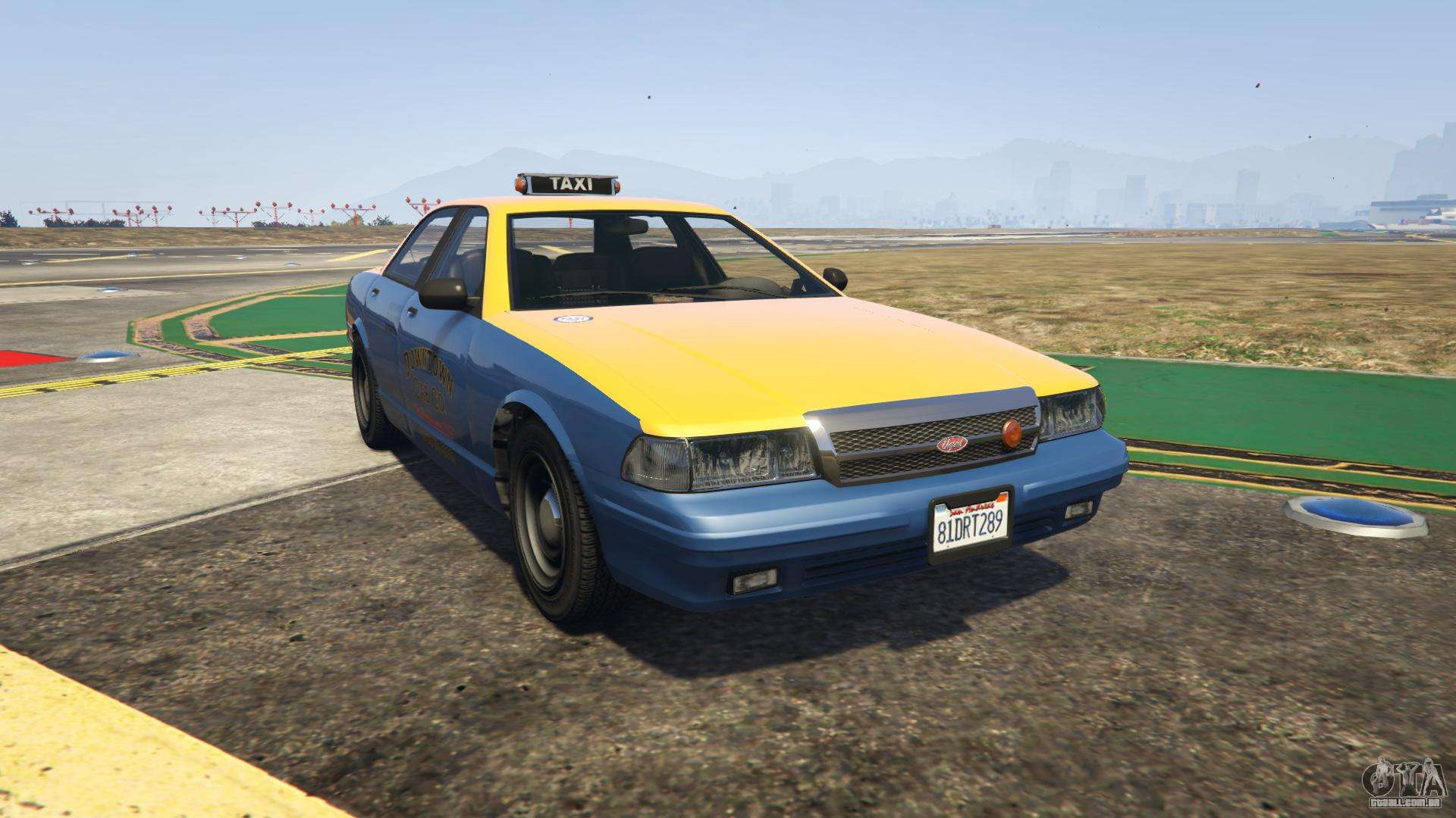 GTA 5 Vapid Taxi - vista frontal
