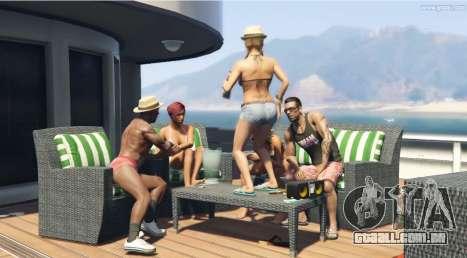 Dançando sobre a mesa no GTA 5!