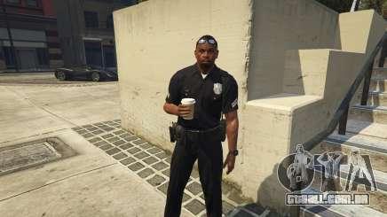 Como se tornar um polícia de trânsito em GTA 5