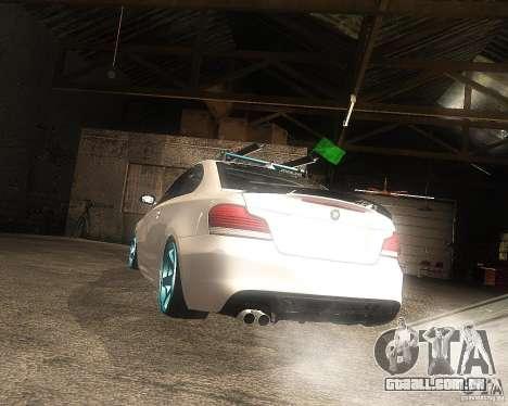 BMW 135i Hella Drift para GTA San Andreas esquerda vista