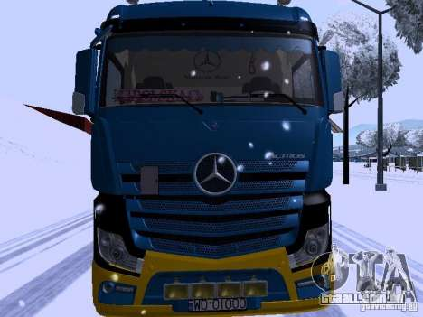 Mercedes Benz Actros MP4 para GTA San Andreas esquerda vista