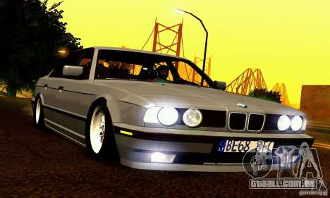 BMW E34 525i para GTA San Andreas vista inferior