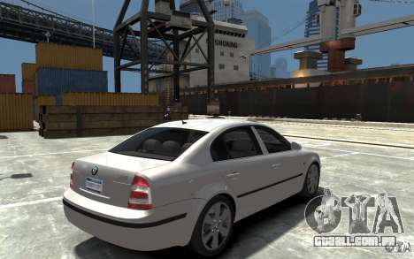 Skoda SuperB para GTA 4 vista direita