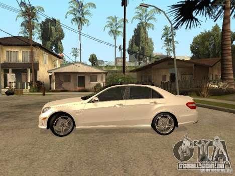 Mercedes-Bens e63 AMG para GTA San Andreas esquerda vista