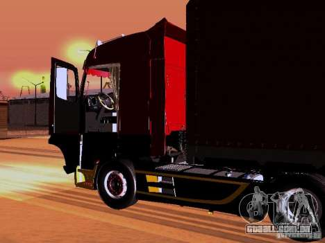 Mercedes Benz Actros MP4 para GTA San Andreas vista inferior