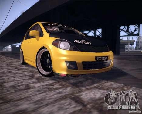 Nissan Versa Tuned para GTA San Andreas esquerda vista