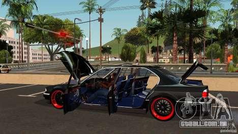 BMW E38 750LI para GTA San Andreas vista inferior