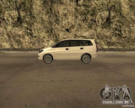 Toyota Innova para GTA San Andreas esquerda vista