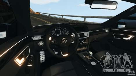 Mercedes-Benz E63 AMG 2010 para GTA 4 vista de volta