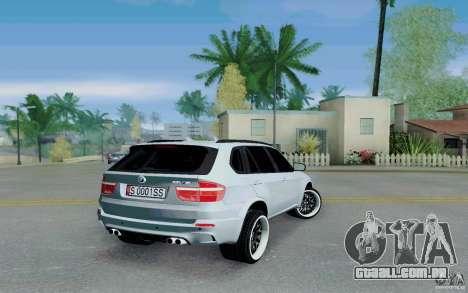 BMW X5M E70 para GTA San Andreas traseira esquerda vista