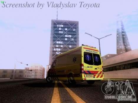 Mercedes-Benz Sprinter Ambulance para GTA San Andreas traseira esquerda vista