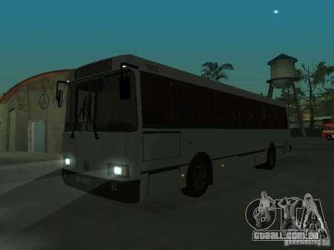 LAZ 52528 para GTA San Andreas traseira esquerda vista