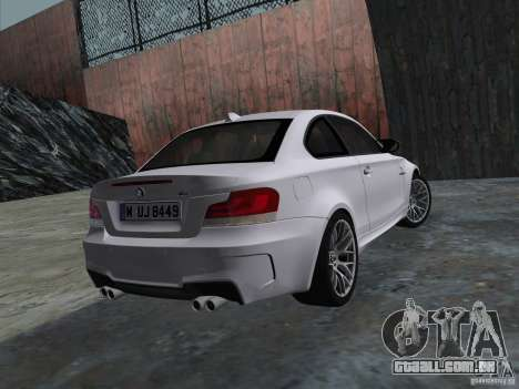 BMW 1M Coupe RHD para GTA Vice City vista direita