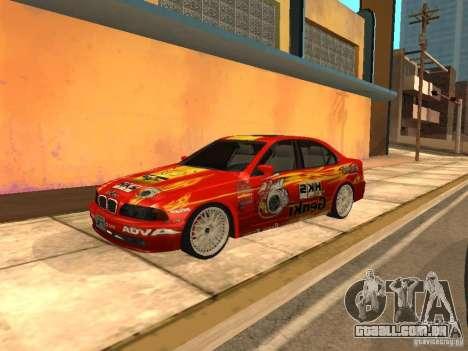 BMW 5-er E39 v2 para GTA San Andreas esquerda vista