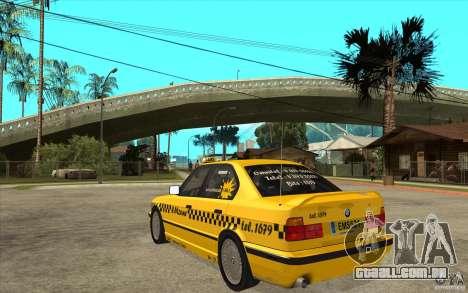 BMW 525tds E34 Taxi para GTA San Andreas traseira esquerda vista