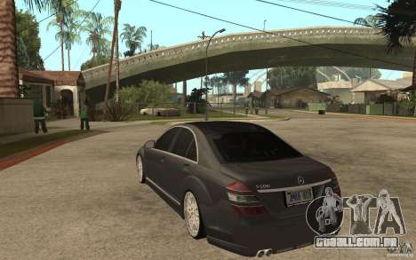 Mercedes-Benz S500 para GTA San Andreas traseira esquerda vista