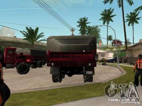 Ural-4320 para GTA San Andreas vista traseira