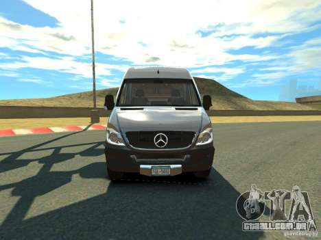 Mercedes-Benz Sprinter 2500 para GTA 4 esquerda vista