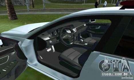 Mercedes-Benz E63 DPS para vista lateral GTA San Andreas