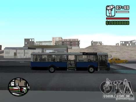 Ikarus 415.02 para GTA San Andreas vista direita