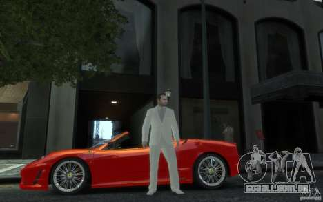 Grande traje cinza-branco para GTA 4 segundo screenshot