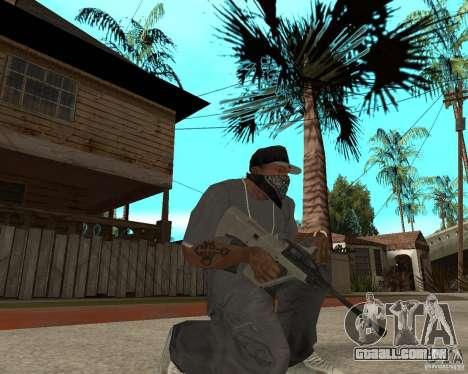 Manuel AUG com um olho para GTA San Andreas segunda tela