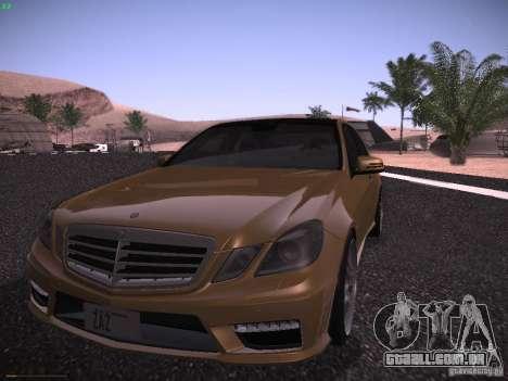 Mercedes-Benz E63 AMG para GTA San Andreas esquerda vista