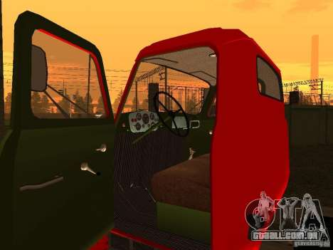 GAZ 53 caminhão para GTA San Andreas vista traseira