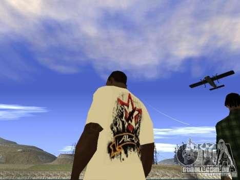 NoGGano228 t-shirt e AK 47 para GTA San Andreas por diante tela