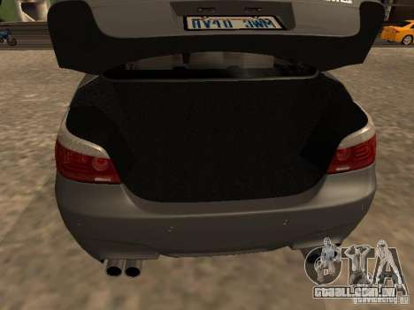 BMW M5 E60 2009 v2 para GTA San Andreas vista inferior