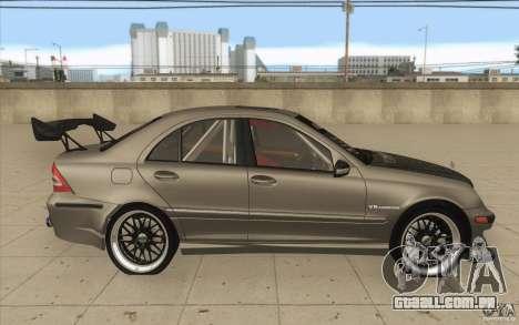Mercedes-Benz C32 AMG Tuning para GTA San Andreas vista interior