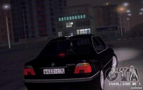 BMW 750i E38 2001 para GTA San Andreas traseira esquerda vista