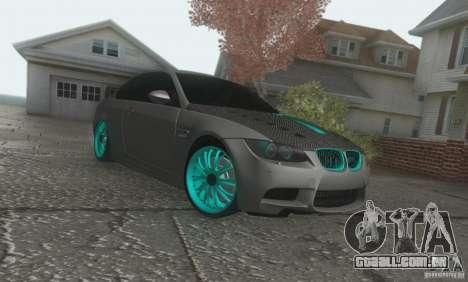 BMW M3 E92 Hellaflush v1.0 para GTA San Andreas esquerda vista