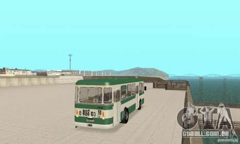 V. 1.1 LIAZ 677 para GTA San Andreas esquerda vista