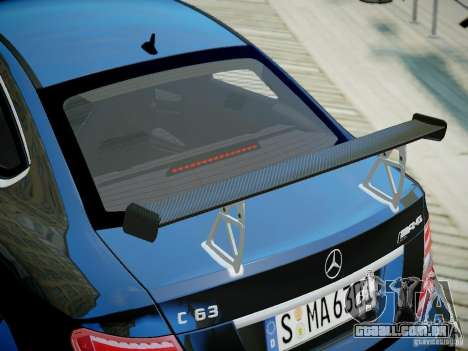 Mercedes-Benz C63 AMG Black Series 2012 v1.0 para GTA 4 vista direita