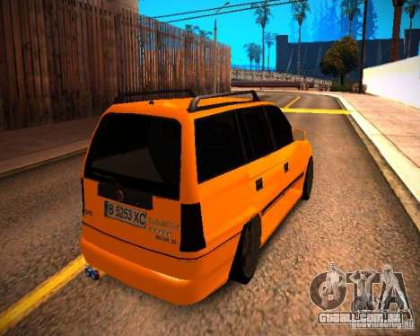 Opel Astra GSI Caravan para GTA San Andreas esquerda vista