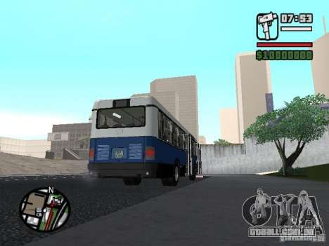 Ikarus 415.02 para GTA San Andreas esquerda vista