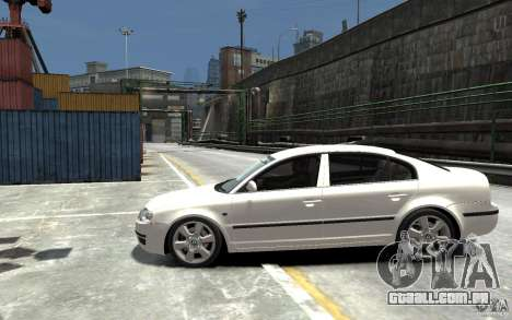 Skoda SuperB para GTA 4 esquerda vista