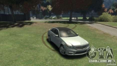 Mercedes Benz E63 AMG v2.0 para GTA 4 vista direita