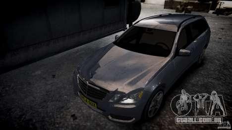 Vagão de Mercedes E-Class para GTA 4 vista de volta