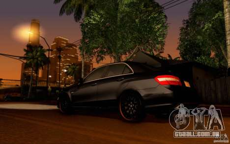 Mercedes Benz E63 DUB para GTA San Andreas vista direita