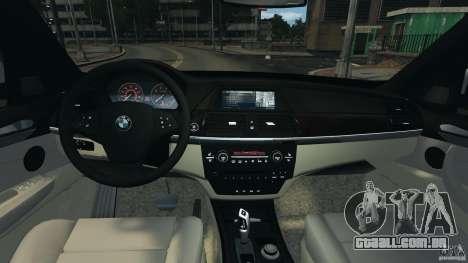 BMW X5 xDrive30i para GTA 4 vista de volta