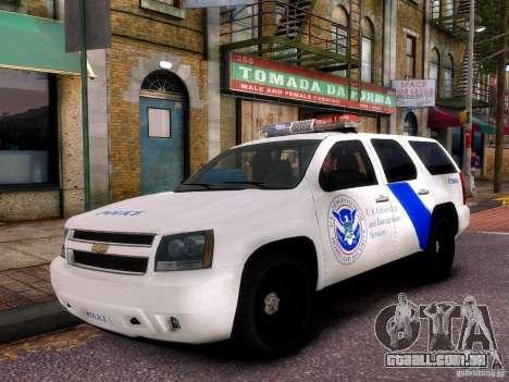 Chevrolet Tahoe New York Police para GTA 4 vista de volta