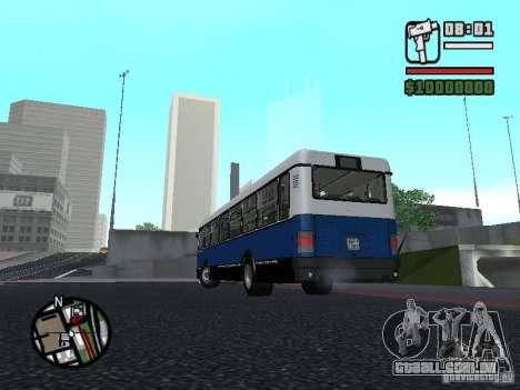 Ikarus 415.02 para GTA San Andreas vista interior