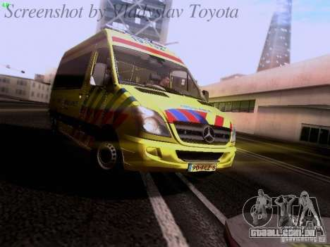 Mercedes-Benz Sprinter Ambulance para GTA San Andreas esquerda vista