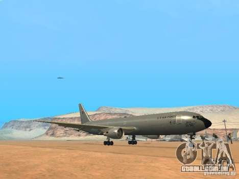 Boeing KC767 U.S Air Force para GTA San Andreas esquerda vista
