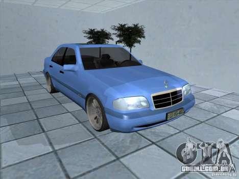 Mercedes Benz C220 para GTA San Andreas esquerda vista