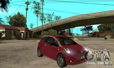 Toyota Yaris para GTA San Andreas vista traseira
