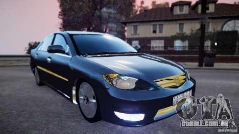Toyota Camry 2004 para GTA 4 vista de volta