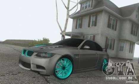 BMW M3 E92 Hellaflush v1.0 para GTA San Andreas vista direita